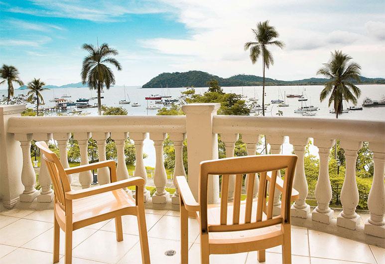 Radisson® Hotel Panama Canal
